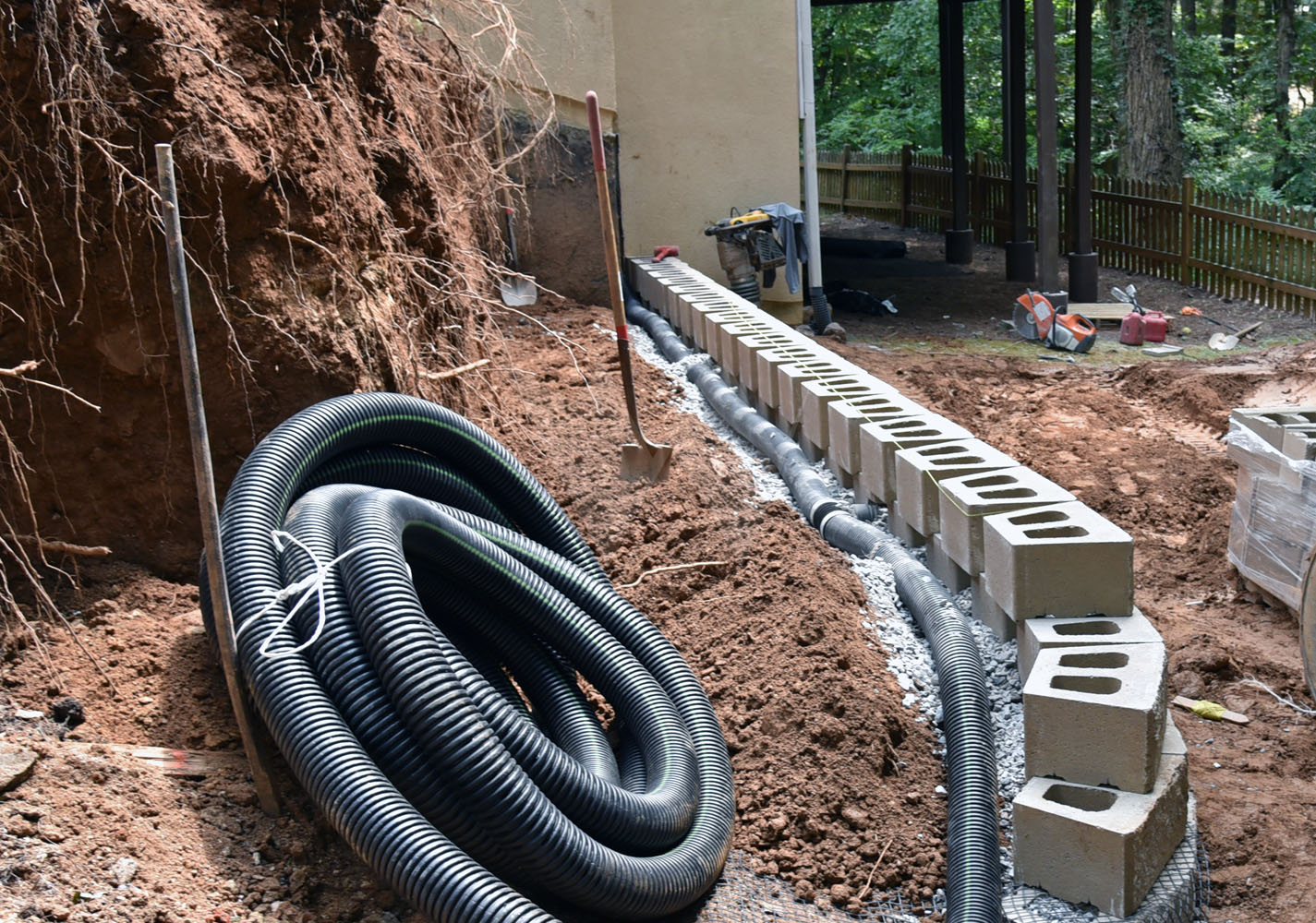 drainage in a retaining wall